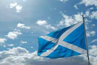Wallace Monument Scottish flag